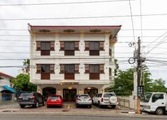 Zen Rooms Vigan Tourist Inn - Vigan City - Building