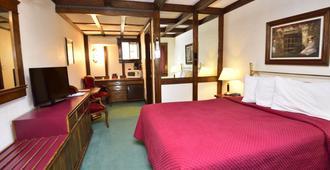 Sequim West Inn - Sequim - Bedroom