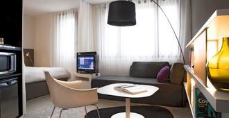 Novotel Suites Perpignan Centre - Perpinhã - Sala de estar