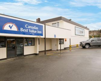 Canadas Best Value Inn River View Hotel - Whitehorse - Building