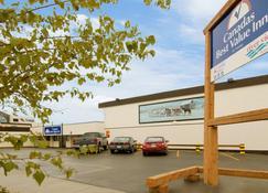 Canadas Best Value Inn River View Hotel - Whitehorse - Outdoor view