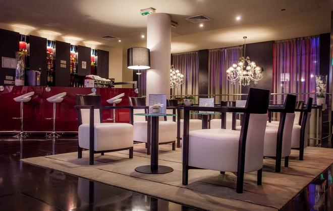 Hôtel Le M Paris - Pariisi - Baari