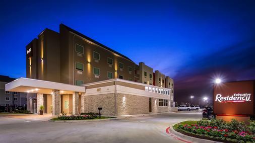 Best Western Plus Executive Residency Baytown - Baytown - Rakennus