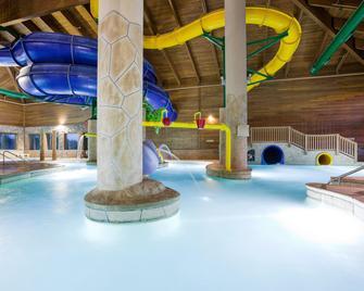 Holiday Inn Express Hotel & Suites Brainerd-Baxter, An Ihg Hotel - Baxter - Pool