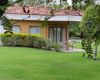 The Meadows Resort and Spa - Aurangabad - Outdoor view