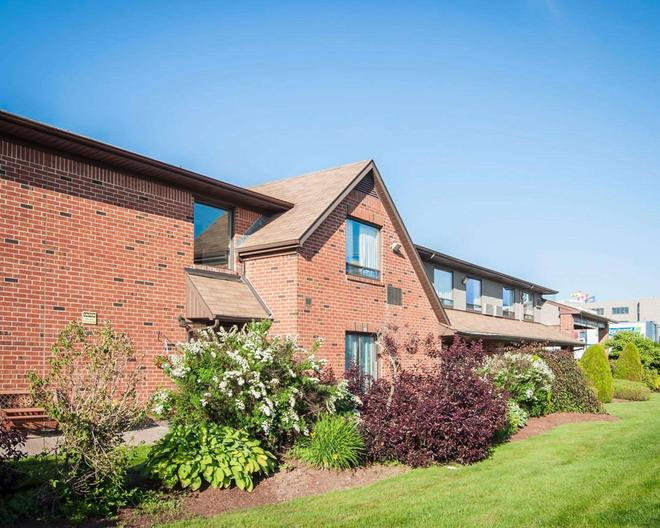 Comfort Inn Fredericton - Fredericton - Gebäude