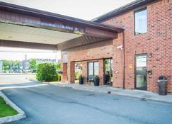 Comfort Inn Fredericton - Fredericton - Rakennus