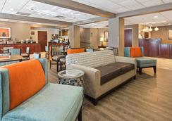 Best Western Plus Oak Mountain Inn - Pelham - Lobby