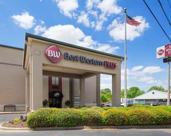 Best Western Plus Oak Mountain Inn - Pelham - Gebäude