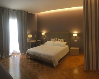 Robin Rooms - Montegranaro - Bedroom