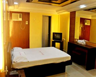 Bermuda Hotel and Restaurant - Mandaluyong - Bedroom