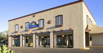 Days Inn by Wyndham Santa Fe New Mexico - סנטה פה