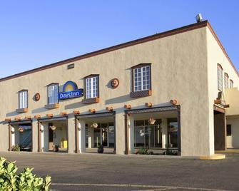 Days Inn by Wyndham Santa Fe New Mexico - Santa Fe - Κτίριο