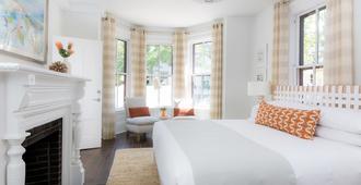 21 Broad - Nantucket - Bedroom