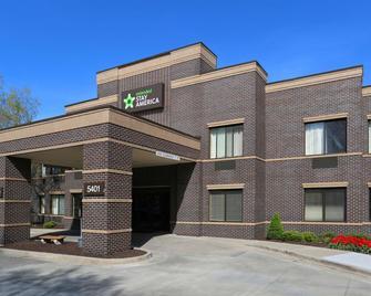 Extended Stay America - Kansas City - Overland Park - Nall Ave. - Overland Park - Building