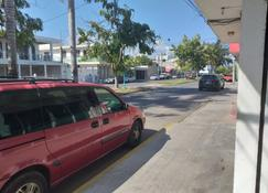 Hotel Platas - Chetumal - Outdoors view