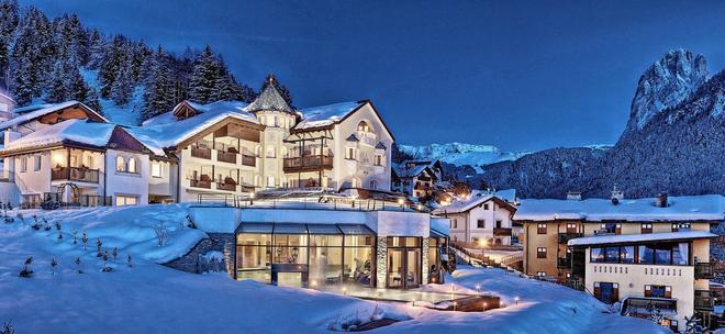 Alpenheim Charming & Spa Hotel - Ortisei - Building