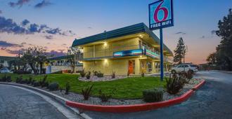 Motel 6 King City, CA - King City - Edificio