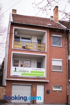 Vandor Vendeghaz - Szeged - Building