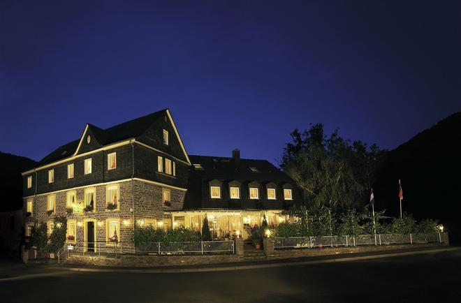 Weinhaus Gräffs Mühle - Трабен-Трарбах - Здание