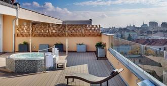 Avanti Hotel Brno - Brno - Balcón