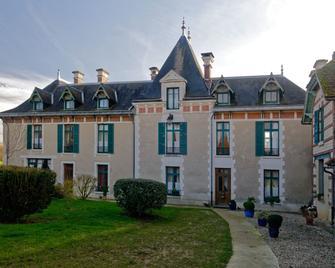 Chateau le Barreau - Chemilly-sur-Yonne - Building