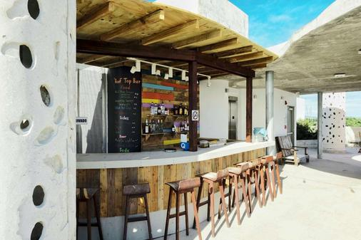 El Blok - Vieques - Bar