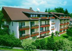 โรงแรมไดรซอนเนินแบร์ก - Neuschönau - อาคาร