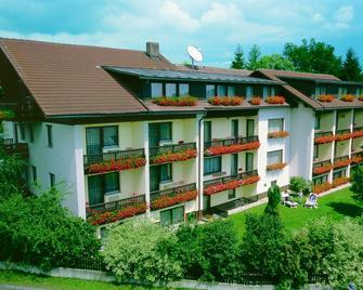 Hotel Dreisonnenberg - Neuschönau - Edificio