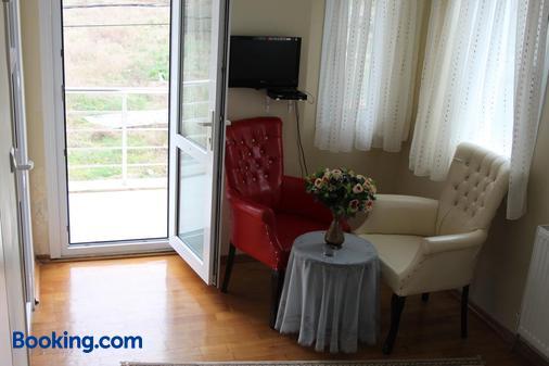 Assortie La Villa Hotel - Şile - Living room