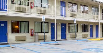 Motel 6 Charleston South - Charleston - Edificio
