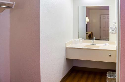 Motel 6 Charleston South - Charleston - Phòng tắm
