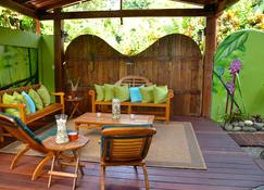 Physis Caribbean Bed & Breakfast - Cocles - Patio