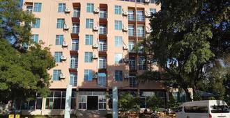 Grand Resort & Spa-Gambela - Gambēla