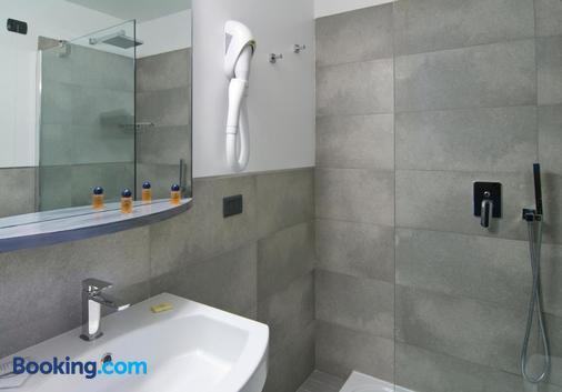 歐洲酒店 - 瓦雷斯 - 瓦雷澤 - 浴室