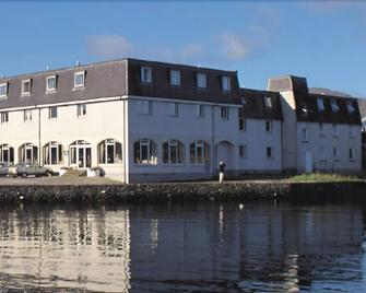 Dunollie Hotel - Portree - Building