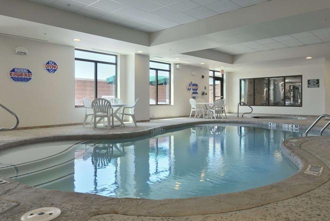 Wingate by Wyndham Frisco - Frisco - Pool
