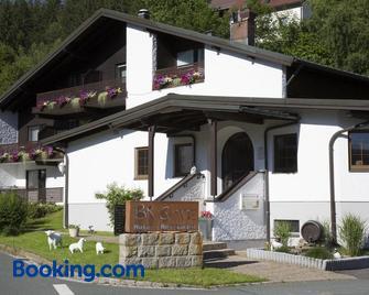 Hotel Restaurant Brigitte - Warmensteinach - Building