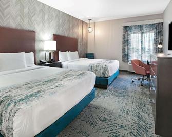 La Quinta Inn & Suites By Wyndham Dfw West-Glade Parks - Euless - Schlafzimmer