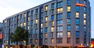 Hampton by Hilton London Waterloo - London - Building
