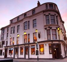 Dickens Bar And Inn