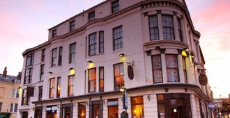 Dickens Bar And Inn - Скарборо - Здание