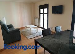 Apartamentos Espolón - Logroño - Sala de estar
