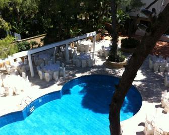 Eden Park Hotel - Pulsano - Pool