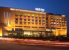 Park Inn by Radisson Gurgaon Bilaspur - Gurgaon - Building