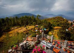 Peaceful Cottage & Cafe du Mont - Nagarkot - Vista del exterior