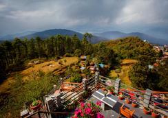 Peaceful Cottage & Cafe du Mont - Nagarkot - Outdoors view