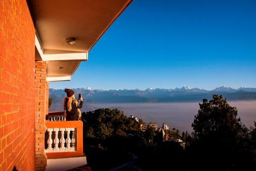 Peaceful Cottage & Cafe du Mont - Nagarkot - Balcony