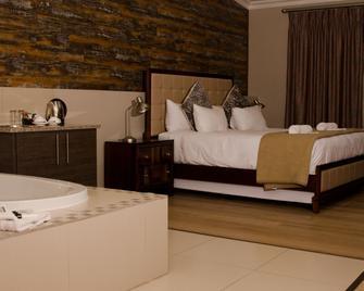 Hotel at Secunda - Secunda - Slaapkamer