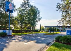 Motel 6 Valdosta University - Valdosta - Vista externa
